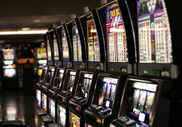 Игровые слоты на деньги - обзор игрового автомата Resident